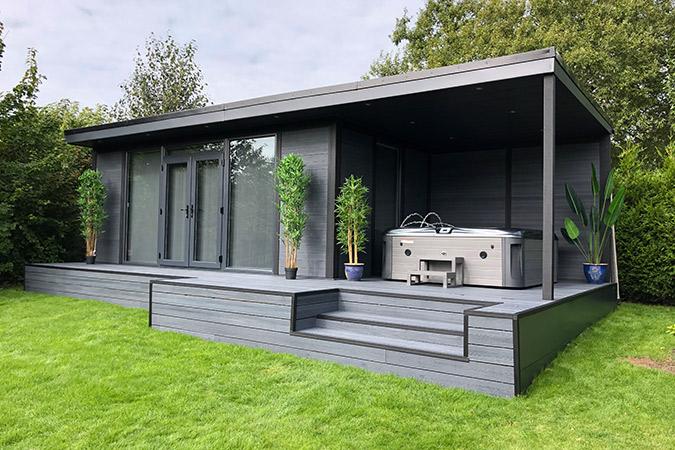 Composite Garden Building with jacuzzi